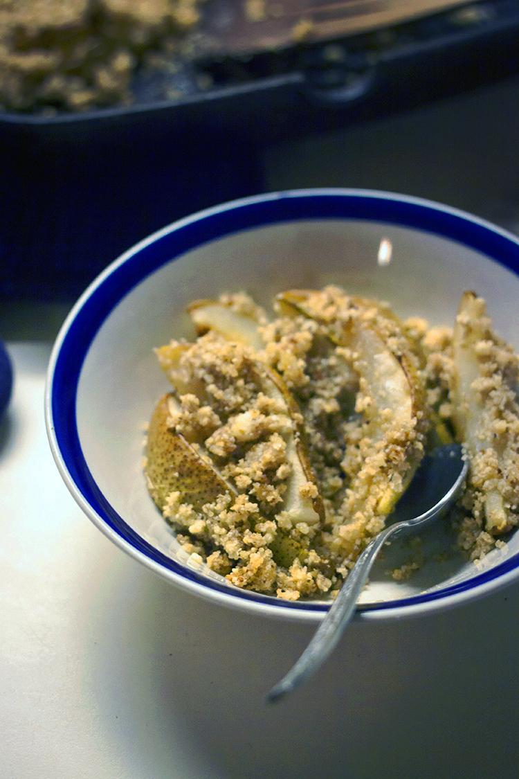 pear crisp bowl 3