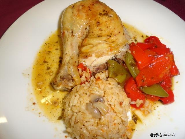Hendl mit geschmorten Paprika und Champignon Reis