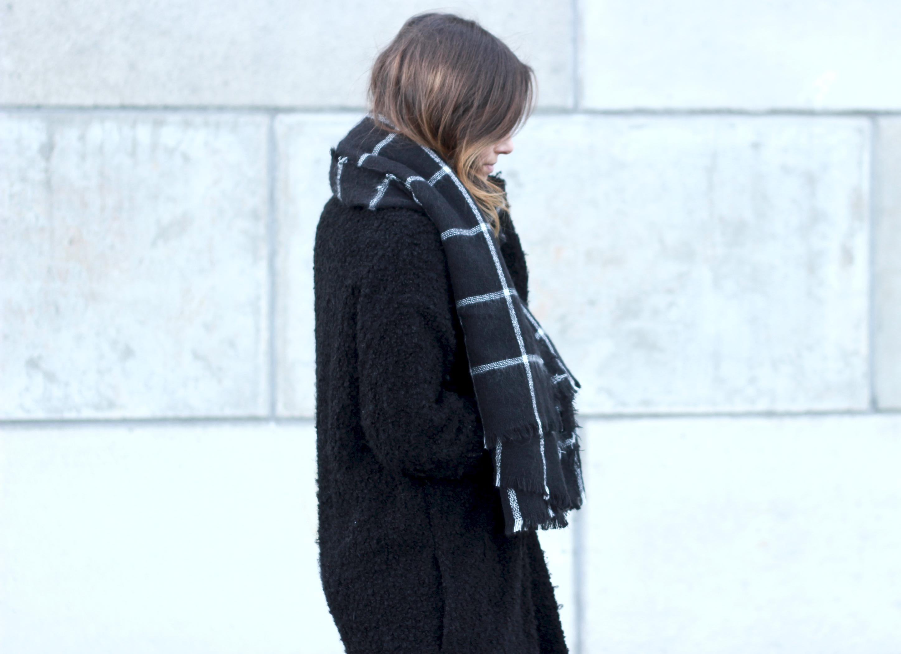 Zara-blanket-scarf-black