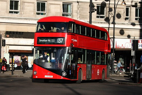 Arriva London LT355 on Route 137, Marble Arch