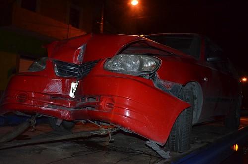 Amenazaron con machetes al propietario del vehículo