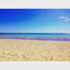 Sol i tud #mallorcagram #mallorca #mallorcaparadise #instatravel #sea #beach #beachtime #holidaytime #igers #igersmallorca #saroqueta #sand #blue #bluesea #quiettime