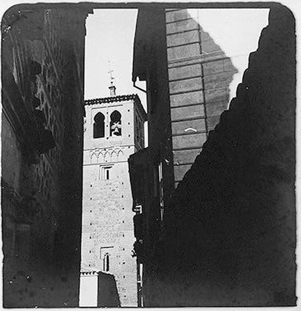 Torre de Santa Leocadia hacia 1900. Fotografía de Augusto T. Arcimis © Fototeca del IPCE, MECD. Signatura ARC-0737_P