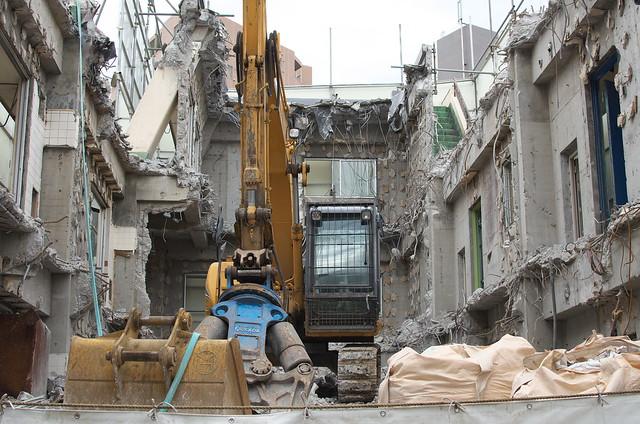 東京路地裏散歩 根津の解体現場 2014年11月3日