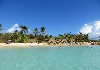Image of Pinel Island (Ilet Pinel) Beach with a length of 238 meters. stmartin stmaarten 2014 pinelisland