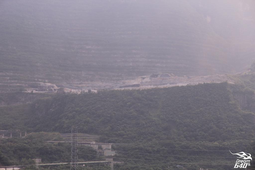 太魯閣大橋-眺望斷頭山2
