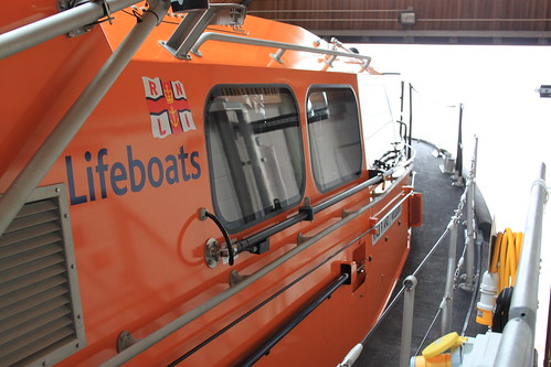 The sidedeck of the lifeboat