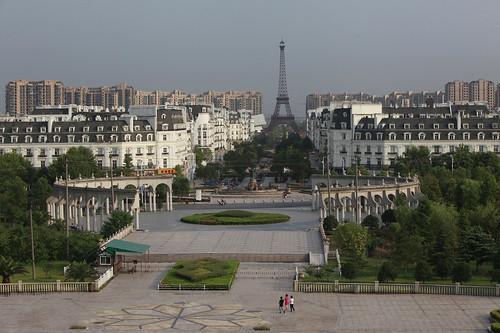 中國的山寨巴黎 杭州廣廈天都城