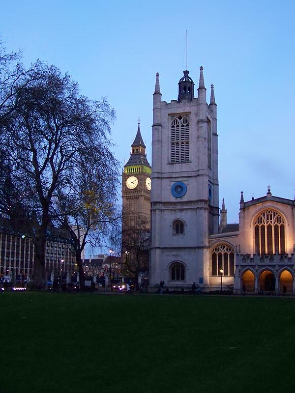 Una de las estampas más bonitas de nuestro viaje a Londres, Westminster y el Bigben al atardecer