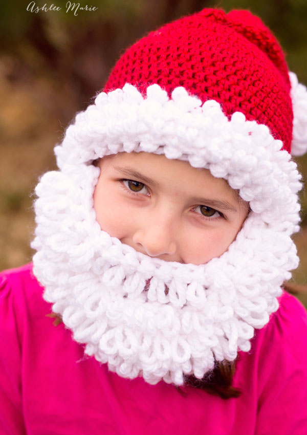 Even little girls look adorable as bearded santa's