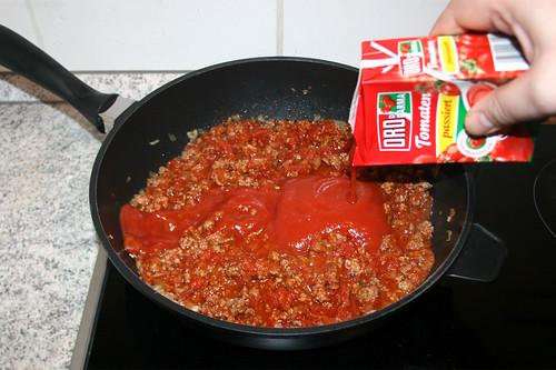 31 - Passierte Tomaten hinzufügen / Add strained tomatoes