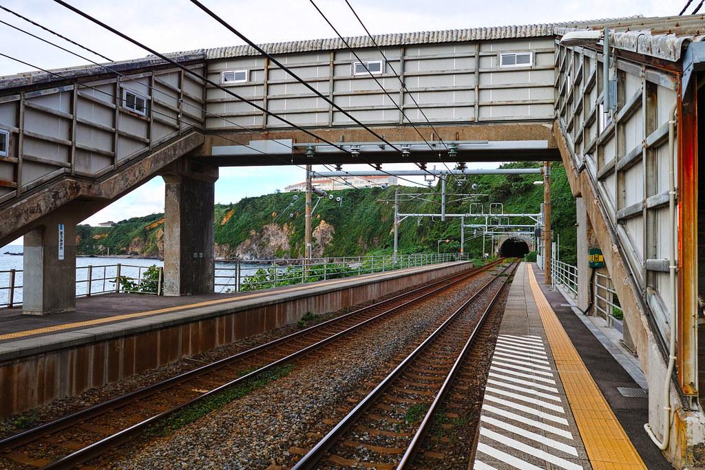 信越本線内の駅の1つ