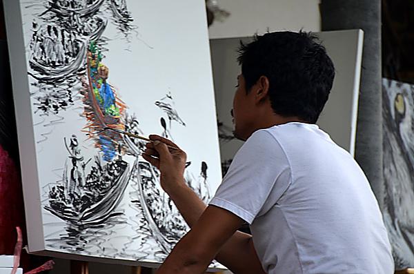 Pintando en los canales de Damnoen Saduak