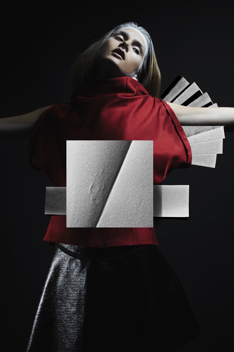 mikkoputtonen_fashionphotographer_london_schönmagazine_surreal_editorial_pauliinavesterinen_heidimarika_anneflink_johanna_paparazzi8