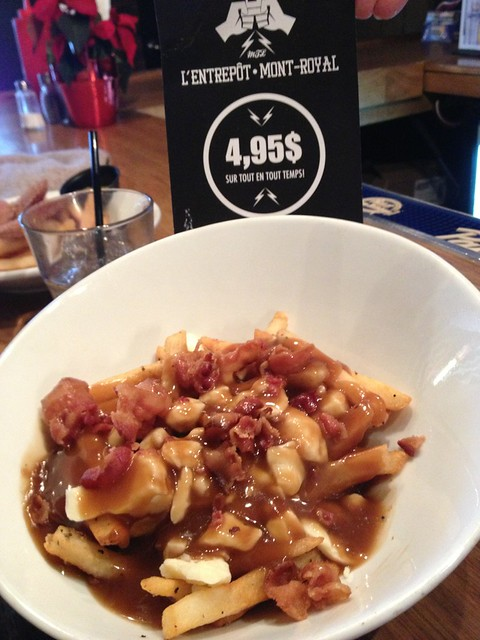 Poutine au Bacon - L'entrepot Mont Royal