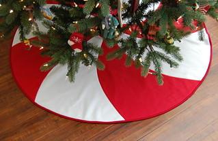 Red & White Peppermint Swirl Christmas Tree Skirt