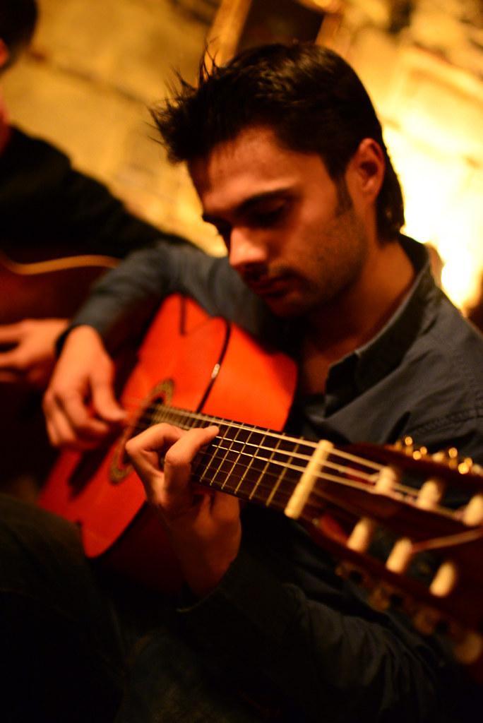 Tqoue de guitarra por Navidad