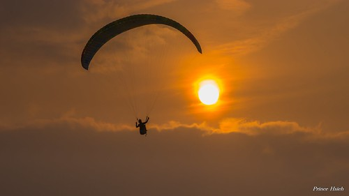 sunset taiwan 南投 夕陽 paragliding puli 埔里 虎頭山 nantou 飛行傘 sigma70300mm tigerheadmountain sonya99