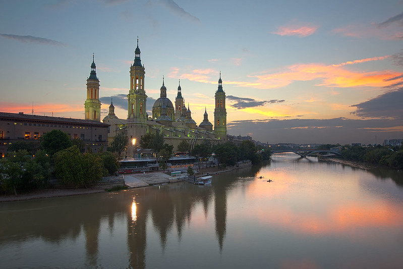 Basilica El Pilar at sunset