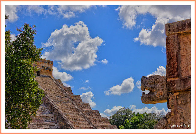 Pyramide et serpent