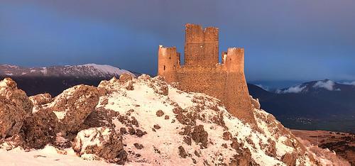 italy autostitch panorama mountains castle italia castello montagna abruzzo abruzzi calascio roccacalascio