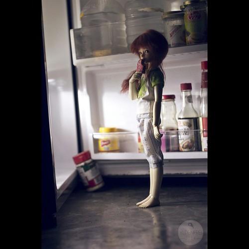 Midnight Snack :o #bjd #abjd #dolls #dollstagram