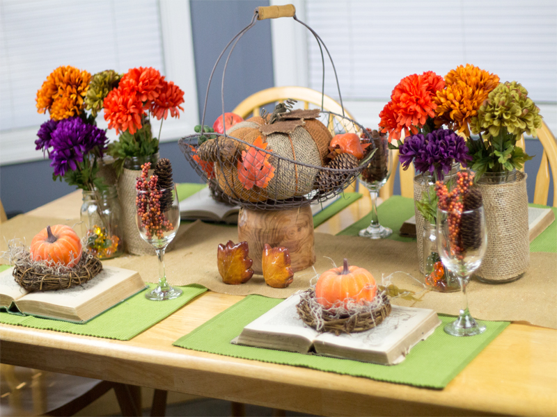 Burlap-and-Vintage-Inspired-Thanksgiving-Tablescape-6
