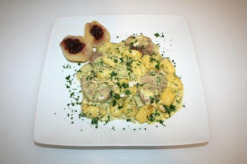 39 - Pork loin in brie sauce with gnocchi, peaches & cranberries - Served / Schweinelende in Brie-Sahne-Sauce mit Gnocchi, Birnen & Preiselbeeren - Serviert