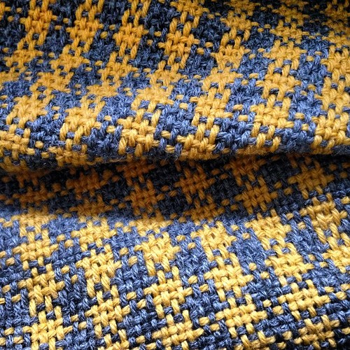 My first official weaving project #weaving #makingshit #mustard #gray