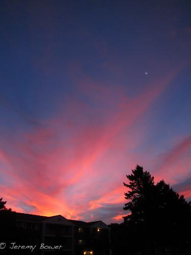 moon clouds sunrise nebraska nebraskasunrise canons95