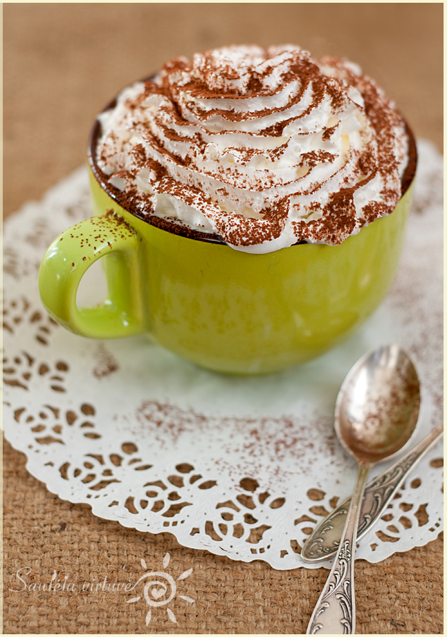 Pyragėlis su Nutella puodelyje (1)
