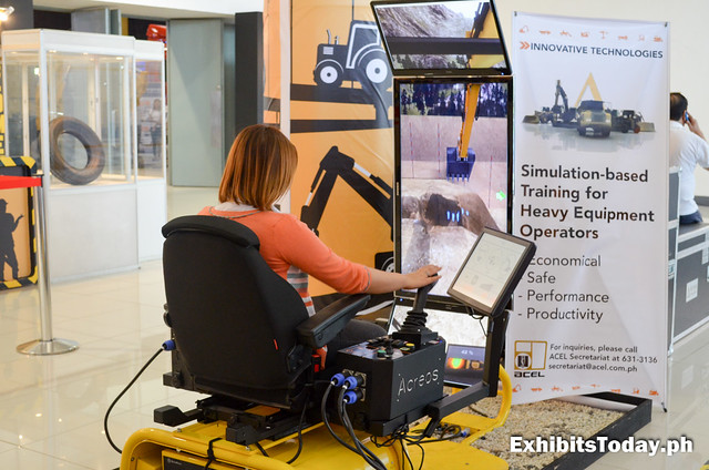 Simulation-based Training for heavy Equipment Operators