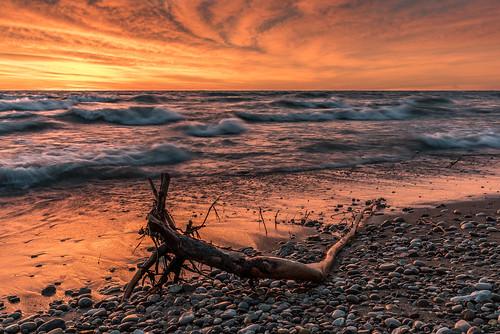lighthouse sunrise racine windpoint