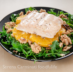 Salmon with rocket (arugula) and oranges
