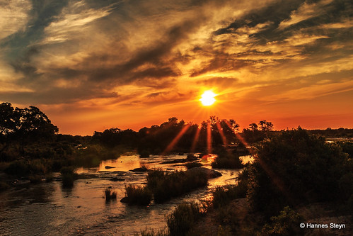 africa sunset red sky sun nature clouds canon southafrica landscapes scenery dusk cloudscape reserves krugernationalpark mpumalanga limpopo knp 70d hannessteyn canoneos70d canon70d tamronsp2470mmf28divcusd