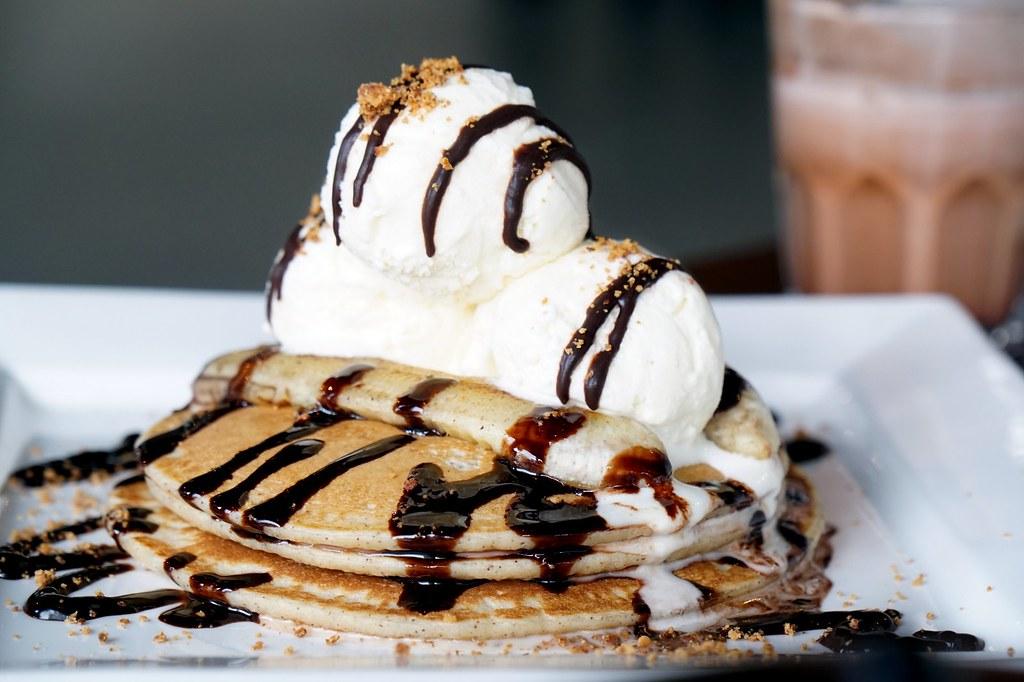 Bedrock Restaurant cafe - taipan - waffles, breakfast, salt chicken-012