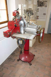 1920 slicer machine