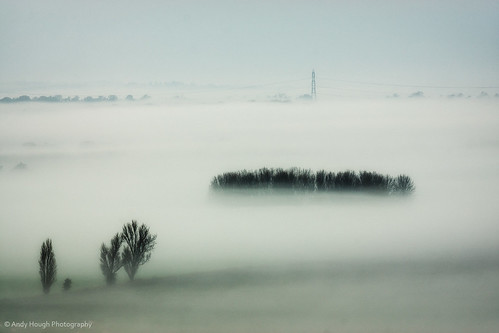 morning trees england mist soft unitedkingdom sony pylon ambient a77 southoxfordshire littlewittenham sonyalpha andyhough slta77 andyhoughphotography tamronsp70200di