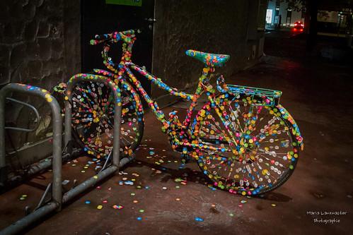 Das passiert wenn man sein Fahrrad in der Nähe von einem Museum abstellt ...