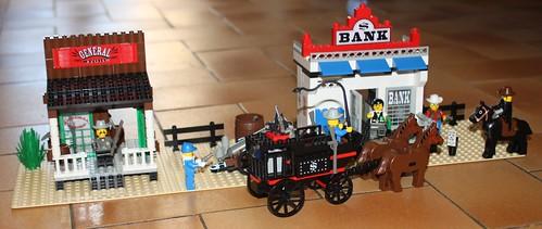 6765_Lego_Western_Main_Street_21