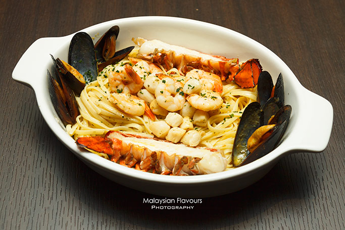 red-lobster-seafood-restaurant-the-intermark-kuala-lumpur