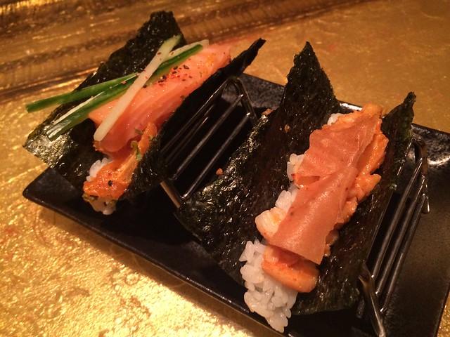 Garlic scallop & spicy salmon hand rolls - SEI