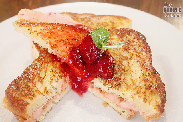 Strawberry Cheesecake-Stuffed French Toast (P290)