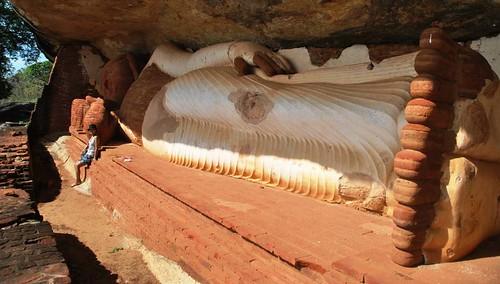 40 Pidurangala Cave & Rock Temple (5)