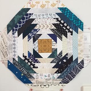 One #pineappleblock for you @clothwork Just need to decide on corner fabrics :)