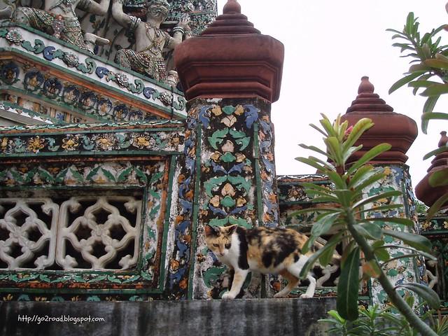 Жители храма