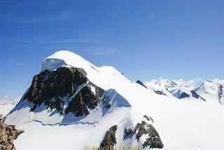 Le Breithorn et ses 4164 m dans les Alpes valaisannes, à la frontière entre la Suisse et l'Italie