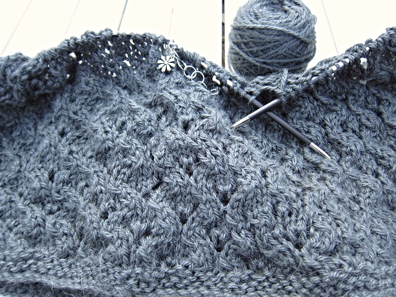 Knitting-2015-Jan-Cowl2