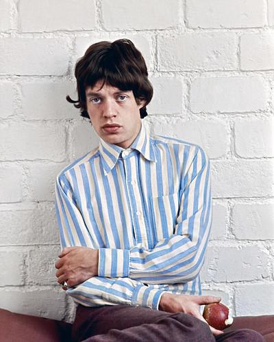 Mick-Jagger-la-pomme