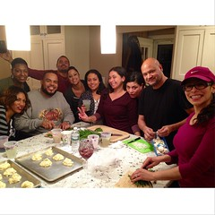 Everyone is helping out @ydavila Its a Family Affair #familytime Happy Thanksgiving photo credit @s2crespo3 @the_crespo @transparent_torree @denagray